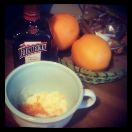 De la pâte à crêpes, mais pas que ! Des oranges non traitées, du @Cointreau, du sucre vanillé parfumé de zestes...
