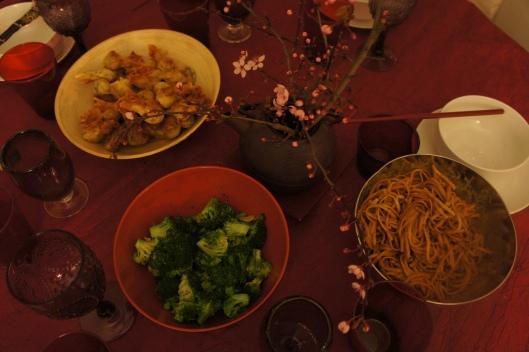 Salade froide de brocoli et nouilles à la sichuaniase  sont en entrée froide.