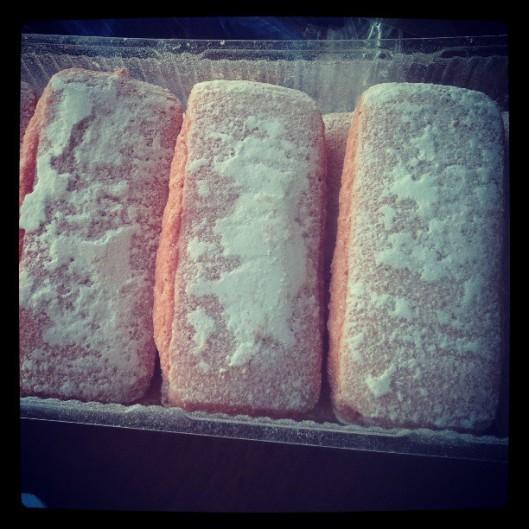 Les biscuits roses de Reims sont des boudoirs délicats un brin enneigés...